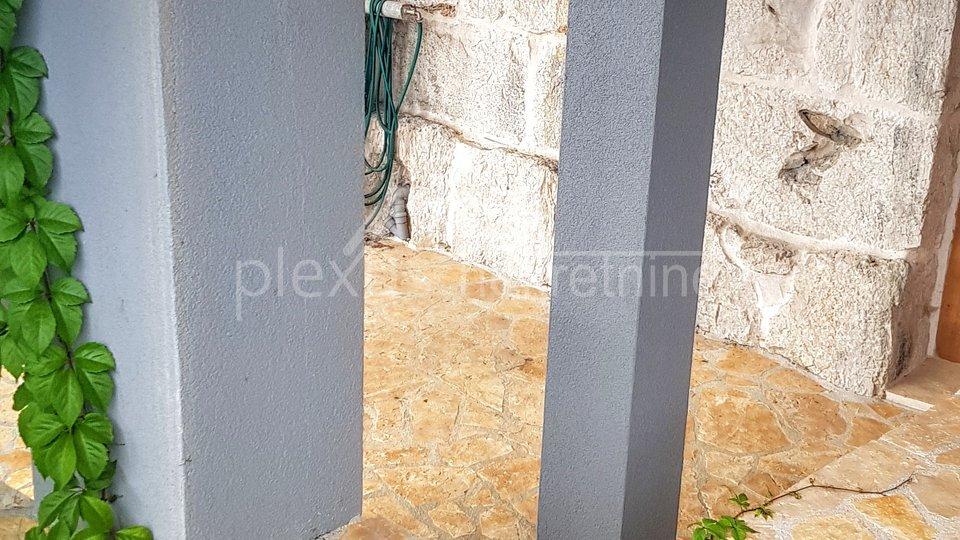 Atraktivna namještena kuća za odmor: Split-okolica, Sitno Gornje, 164 m2