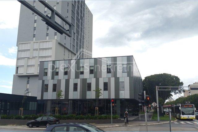 Commercial Property, 196 m2, For Rent, Split - Trstenik