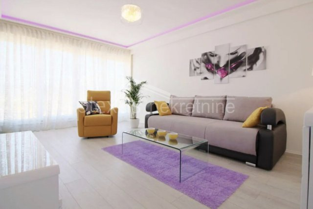 Luksuzan dvosoban namješten stan: Split, Bol, 64 m2