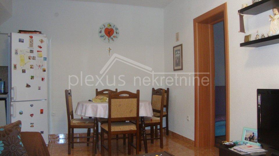 Kuća za turizam: Omiš - okolica, Dugi Rat, 243 m2