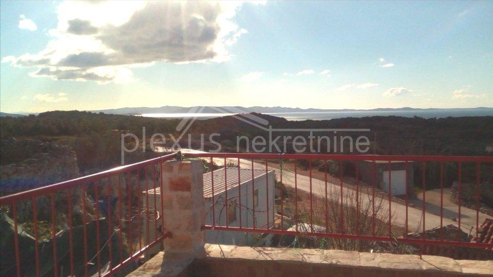 SNIŽENO! Kamena kuća za obitelj ili turizam: Šolta, Gornje selo 156 m2