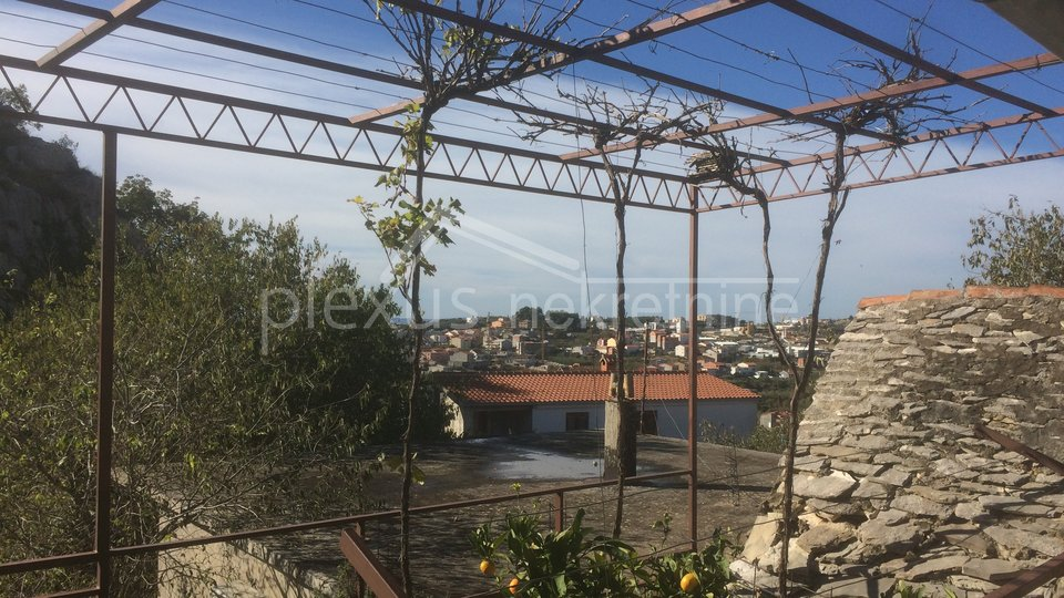 House, 110 m2, For Sale, Split - Kamen