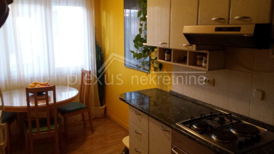 Stan, 54 m2, Prodajemo, Split - Kman
