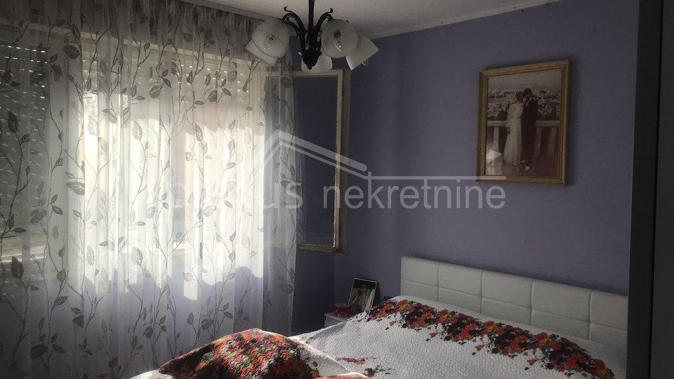 Trosoban stan: Split, Lokve, 75 m2