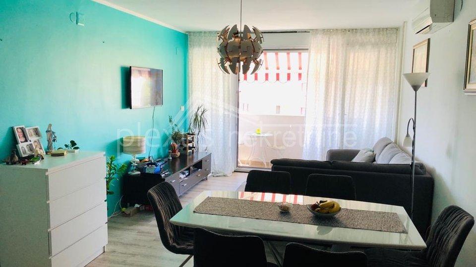 Dvosoban stan na višem katu - ZAMJENA za trosoban: Split, Blatine, 65 m2
