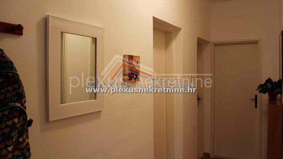 Hiša, 78 m2, Prodaja, Splitska